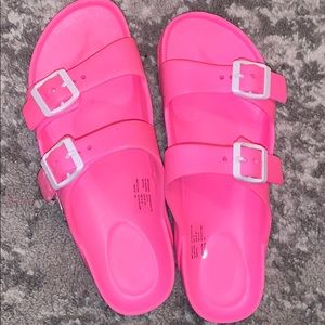 Shoes - Cute hot pink sandals!